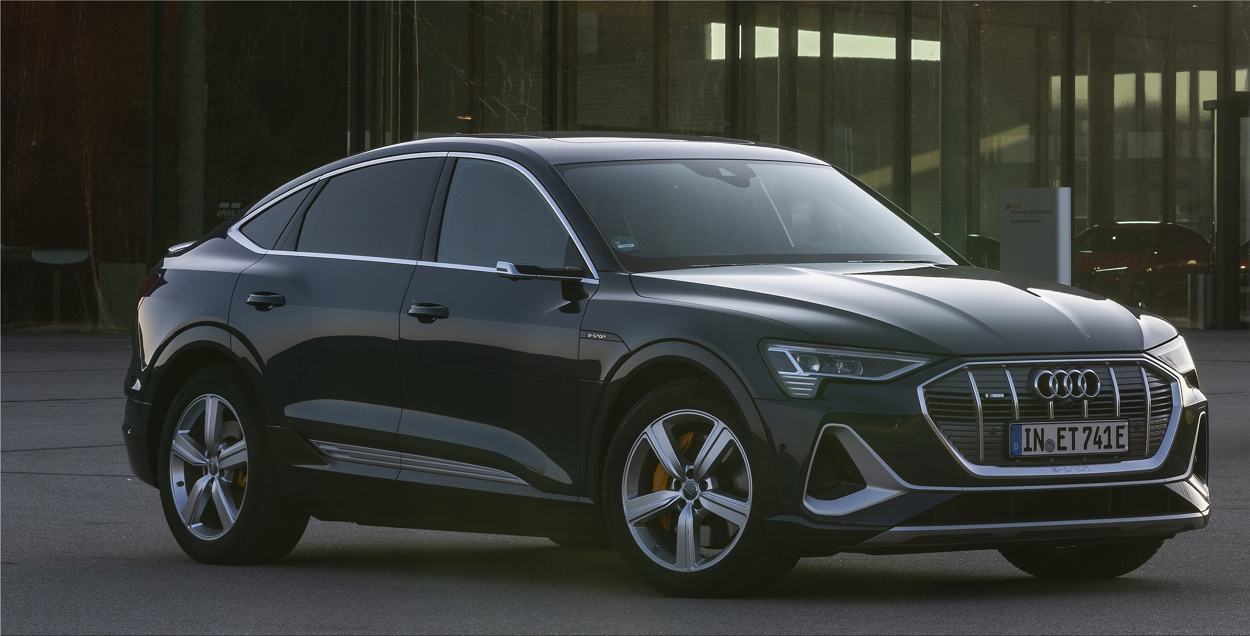 Audi Wants To Invest 10 Billion Euros In Electric Cars E V News Electric Hunter