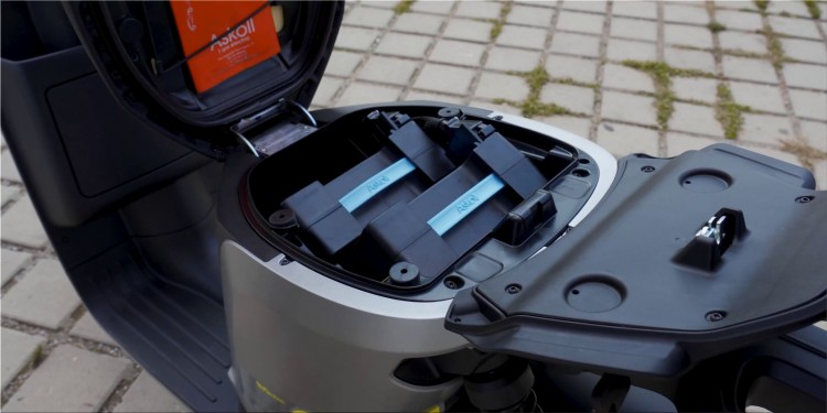 Askoll eS3 Evolution electric scooter batteries