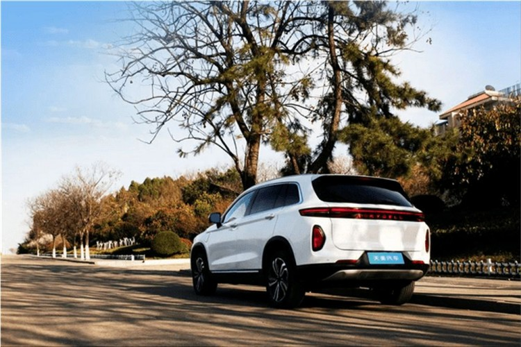 Skywell ET5 electric SUV
