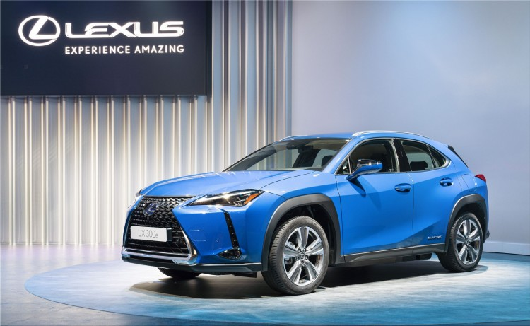 First 100% electric car from Lexus: UX 300e