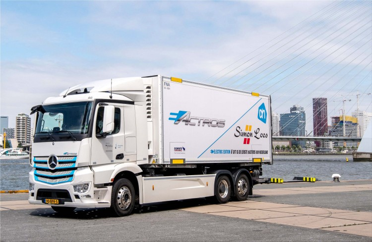 Mercedes-Benz eActros electric heavy truck