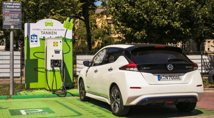Lidl plans to build 400 charging stations for electric vehicles
