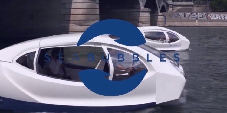 Police stops e-water taxi in Paris