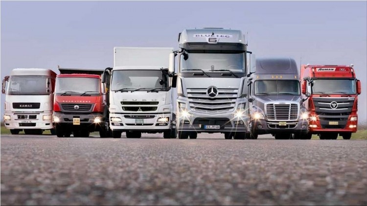 The European Union will monitor the emissions of new trucks and buses