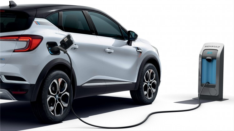 renault  100% electric compact SUV