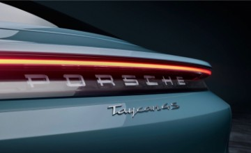 Porsche Taycan 4S - official information and photos