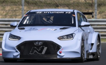 Veloster N ETCR race car in the world of motorsport